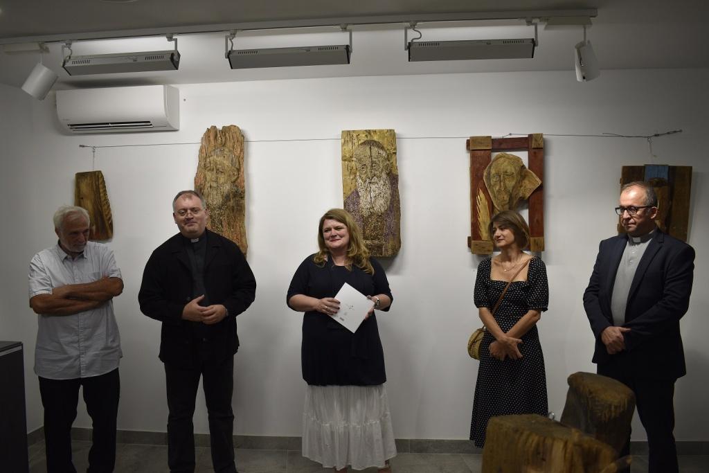 Izložba hrvatskih svetaca i blaženika Karin Grenc otvorena u Šibeniku